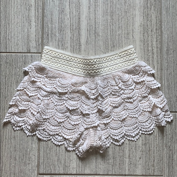 Jolt Pants - Cream Crochet Shorts